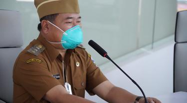 Bupati Garut Rudy Gunawan mengatakan, pelantikan ratusan kades terpilih secara virtual tersebut, sesuai dengan intruksi dari Menteri Dalam Negeri untuk menghindari terjadinya penyebaran covid-19.