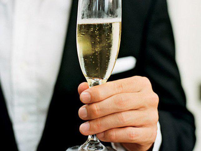 Ilustrasi gelas Champagne/copyright Southernliving