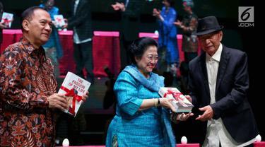Megawati Hadiri Peluncuran Buku Ir. Ciputra