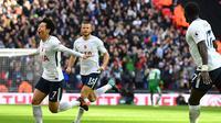 Heung-Min Son rayakan golnya ke gawang Crystal Palace (BEN STANSALL / AFP)
