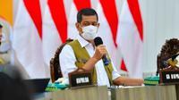 Kepala BNPB Letjen Doni Mondardo membahas pemulangan TKI di Provinsi Riau. (Liputan6.com/Istimewa)
