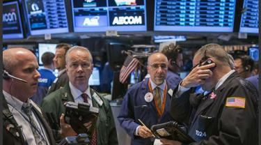 Saham Nike Topang Penguatan Wall Street
