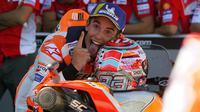 Selebrasi pembalap Repsol Honda, Marc Marquez usai memenangkan balapan MotoGP Aragon 2018. (Twitter/Repsol Honda)
