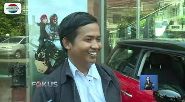 Dedi, driver ojol yang memenangkan mobil mewah seharga Rp 12 ribu saat Harbolnas dari Bukalapak, resmi telah melakukan serah terima dari pihak penyelenggara.