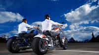 Apa saja ya yang biasanya dibincarakan para pengendara sepeda motor ketika berada di jalan?