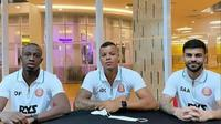 Tiga pemain asing yang tengah trial bersama Persiraja Banda Aceh di Piala Menpora 2021, (kanan ke kiri) Samir Ayass (Lebanon), Gabriel do Carmo (Brasil), dan Ousmane Fane (Prancis). (Bola.com/Gatot Susetyo)