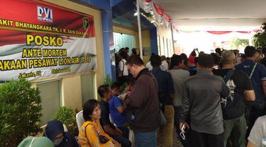 Posko Antemortem Polri didatangi ratusan anggota keluarga korban Lion Air