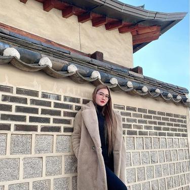 7 Potret Liburan Nella Kharisma ke Korea, Sempat Ngobrol dengan Oppa
