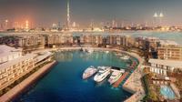 Dubai memiliki pesona keindahan dan kemewahan Hotel dan resort hingga wisata belanja yang menjadi primadona.