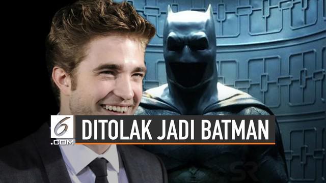 Robert Pattinson telah resmi perankan tokoh Batman. Kabar tersebut sempat menimbulkan petisi penolakan Robert sebagai pemeran Batman.