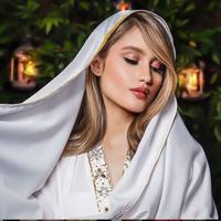 Cinta Laura Unggah Foto Pakai Kerudung Pashmina. (dok.Instagram @claurakiehl/https://www.instagram.com/p/CAWZORKDAoo/Henry)