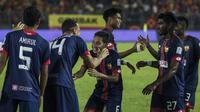 Gelandang Selangor FA, Evan Dimas, merayakan kemenangan atas Kuala Lumpur FA pada laga Liga Super Malaysia di Stadion Kuala Lumpur, Cheras, Minggu (4/2/2018). Kuala Lumpur FA kalah 0-2 dari Selangor FA. (Bola.com/Vitalis Yogi Trisna)