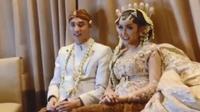 Lucinta Luna mengumumkan dirinya telah resmi menikah. (dok. Instagram @lucintaluna/https://www.instagram.com/p/BvN_4dJBBsg/Putu Elmira)
