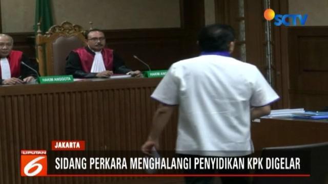 Lucas memohon kepada majelis hakim mempertimbangkan eksepsinya dalam putusan sela nanti, karena ia meyakini ada kekhilafan dalam dakwaan jaksa.