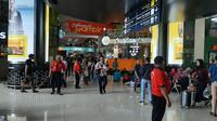 Pemudik mulai memadati Stasiun Gambir, Jakarta Pusat, Kamis (30/5/2019). (Yopi Makdori/Liputan6.com)