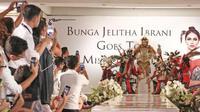 Bunga Jelitha memutuskan untuk memberi nama orang utan yang ada dalam kostum nasionalnya di ajang Miss Universe 2017, penasaran?a