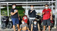 Dua Tersangka Spesialis Curanmor Di Tangkap Di Pelabuhan Merak. (Senin, 08/03/2021). (Dokumentasi Polres Cilegon).