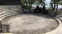 Potret Tanah Lot Kecak Dance di Desa Beraban, Kecamatan Kediri, Kabupaten Tabanan, Bali pada Jumat (5/2/2021). (Liputan6.com/Putu Elmira)