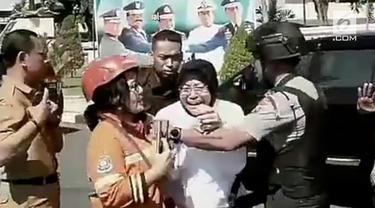 Kejadian ledakan bom di beberapa lokasi di Surabaya, membuat Walikota Surabaya melakukan sidak ke beberapa gereja.