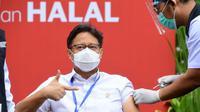 Menkes Budi Gunadi Sadikin menjalani  vaksinasi COVID-19 dosis kedua di Kompleks Istana Kepresidenan, Jakarta, Rabu (27/1/2021). Presiden Jokowi memastikan bahwa pemerintah telah menindaklanjuti hal tersebut dan tetap berupaya untuk memenuhi target semula. (Rusman/Biro Pers Sekretariat Presiden)