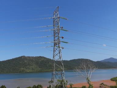 PT PLN (Persero) telah merampungkan tol listrik tahap 1 yang menghubungkan Sulawesi Selatan (Sulsel) dan Sulawesi Tenggara (Sultra) pada 19 September 2019. (Dok: Humas PLN)