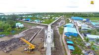 Kementerian PUPR telah menyelesaikan pembangunan jembatan gantung dan jalan lingkungan di Kampung Kaye, Distrik Agats, Kabupaten Asmat, Papua. (Dok Kementerian PUPR).