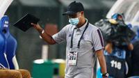 Pelatih Persik Kediri di Piala Menpora 2021, Joko Susilo. (Bola.com/Muhammad Iqbal Ichsan)