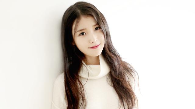 [Bintang] IU Kembali Tanda Tangan Kontrak dengan Kakao M