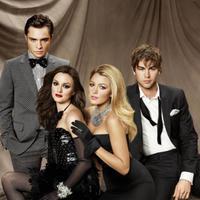 Ed Westwick bersama pemeran Gossip Girl lainnya, termasuk Blake Lively (E!)