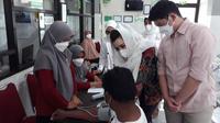 Gerindra gelar vaksinasi Covid-19 massal di Cilacap, Jawa Tengah. (Foto: Liputan6.com/Istimewa)