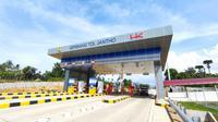 Hutama Karya mengoperasikan dua ruas tol di Jalan Tol Trans Sumatera (JTTS) secara fungsional alias tanpa tarif selama libur Natal dan Tahun Baru (Nataru) 2020/2021.
