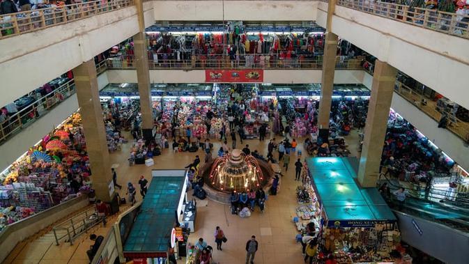 Penerapan Prokes Ketat Bagi Pengunjung Mal di Palembang