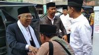KH Ma'ruf Amin bersama ketua Umum PKB Muhaimin Iskandar berkunjung ke Pondok Pesantren (Ponpes) Lirboyo Kediri, Jawa Timur, Senin (3/9/2018) siang. (Liputan6.com/Dian Kurniawan)