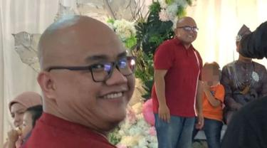 Momen Kocak Pria Bertemu 'Kembarannya' di Pesta Pernikahan