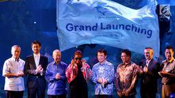 Menteri Kelautan dan Perikanan Susi Pudjiastuti (ketiga kiri) foto bersama saat meresmikan Jakarta Aquarium di Jakarta, Selasa (16/10). Dibukanya Jakarta Aquarium guna memperkenalkan Kekayaan Biota Laut kepada masyarakat. (Liputan6.com/Johan Tallo)