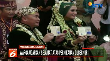 Saat prosesi ijab kabul, Wakil Presiden Jusuf Kalla dan Ketua MPR Zulkifli Hasan bertindak sebagai saksi dari kedua mempelai.