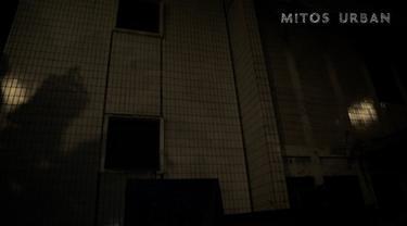 Dua orang peserta melihat sosok kuntilanak di beberapa ruangan, termasuk di penjara bawah tanah