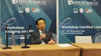 Dokter Spesialis Jantung dan Pembuluh Darah, Teguh Santoso pada Konferensi Pers ISICAM-INALive 2018 di Hotel Fairmont, Jakarta (Fitri Haryanti Harsono/Liputan6.com)
