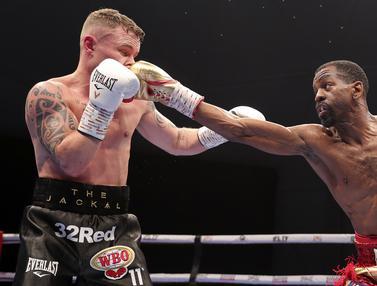 FOTO: Jamel Herring Menang TKO Lawan Carl Frampton di Dubai