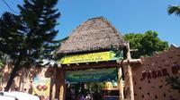 Banyak hal menarik yang bisa ditemukan saat berwisata ke Maharani Zoo dan Gua di pesisir pantai utara Lamongan. Foto: Ana Fauziyah/ Liputan6.com.