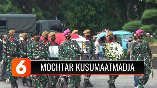 Mantan Menteri Luar Negeri Indonesia yang menjabat pada era 1978-1988, Mochtar Kusumaatmadja meninggal dunia pada umur 92 tahun.
