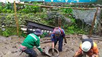 Banjir bandang menerjang pemukiman warga di kawasan Gunung Mas, Desa Tugu Selatan, Kecamatan Cisarua, Kabupaten Bogor pada 19 Januari 2021.