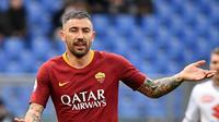 4. Aleksandar Kolarov (AS Roma) - 33 tahun, 12 juta euro (AFP/Vicenzo Pinto)