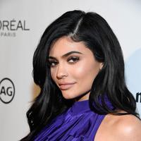 Kylie Jenner melakukan filler bibir untuk menunjang kecantikannya. (Matt Winkelmeyer / AFP)