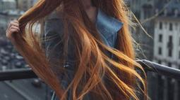 Anastasia Sidorova memamerkan rambut panjang alaminya kepada 424k pengikutnya. Perempuan asal Rusai tersebut memiliki rambut panjang, halus, dan lurus. (instagram.com/sidorovaanastasiya)