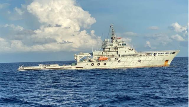Kapal Angkatan Laut China (People Liberation Army Navy) yang tiba di Perairan Bali, Minggu (2/5/2021),  untuk membantu Indonesia mengevakuasi kapal selam KRI Nanggala 402 yang tenggelam pada 21 April lalu. (Ist)