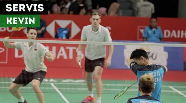 Berita video Kevin Sanjaya kembali menghibur kali ini dengan aksinya sebelum melakukan servis pada babak I Indonesia Masters 2019.