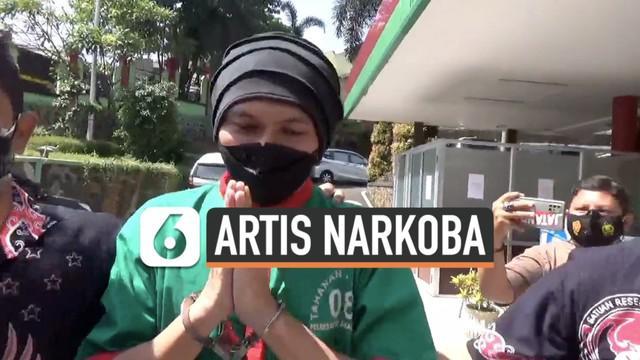 Musisi Anji dibawa ke Rumah Sakit Ketergantungan Obat di Cibubur Jakarta Jumat (25/6) siang. Ia sampaikan permintaan doa agar proses hukumnya berjalan lancar.