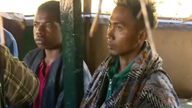 Personel TNI-Polri kembali menemukan 3 Karyawan PT Istaka Karya yang selamat dari Kelompok Kriminal Bersenjata (KKB) pimpinan Egianus Kogoya. Ketiganya menyelematkan diri ke Pos TNI di Distri Yigi.