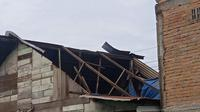Laporan dari Pusdalops Badan Penanggulangan Bencana Daerah (BPBD) Medan, bencana tersebut dipicu oleh faktor cuaca ektrem.